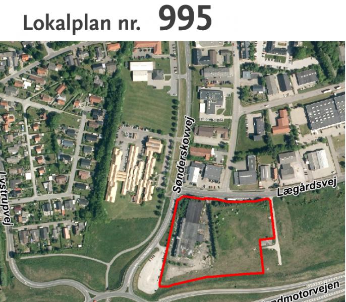 Det er feltet med den røde streg, der afgrænser det nye erhvervsområde i Lystrup, hvor der altså på et tidspunkt bliver bygget en fastfoodrestaurant.